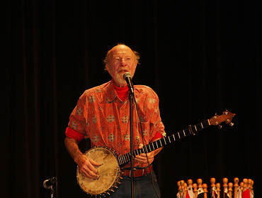 Special perfomance by Pete Seeger.