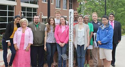 Peace-Pole-Georgia-Regents-University,-Summerville-Campus,-Augusta,-Georgia-USA