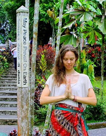 Peace-Pole_BALI-INDONESIA_01