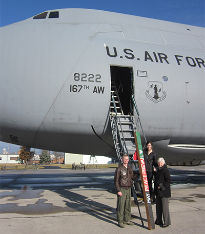 Airbase-Delivery-of-Peace-Pole----C5-and-pilot-005