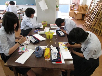 Art class in Japanese High school International Art Contest