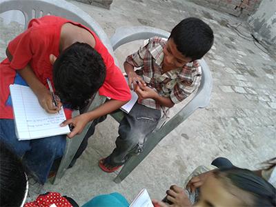 Lahore_Pakistan_Children_PeacePalsArt_2014_03