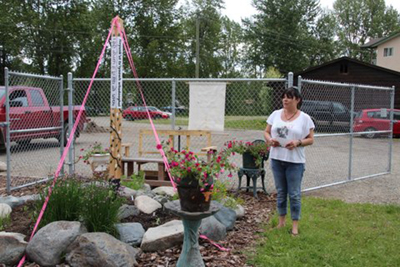 First-Nations-and-Punjabi-people--Peace-Pole-Quesnel-British-Columbia-CANADA_02
