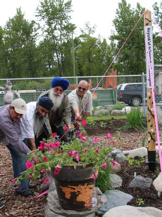 First-Nations-and-Punjabi-people--Peace-Pole-Quesnel-British-Columbia-CANADA_03