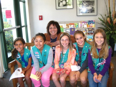 Girl Scouts May Peace Prevail On Earth