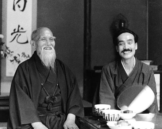 Masahisa-Goi-and-Morihei-UeshibaShinden-Dojo-Tokyo-1960