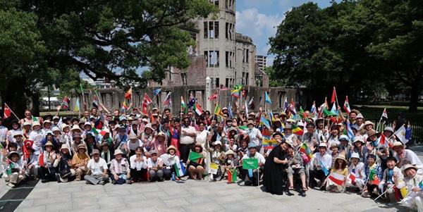 18-hiroshima-group_photo